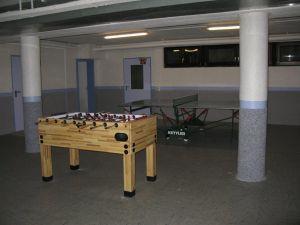 Sportkeller mit Kicker und Tischtennisplatte